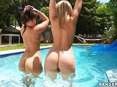 Alexis Texas and Liz rub big asses against each other