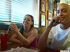 Hot bruentte babe Zei D gets filmed in restaurant